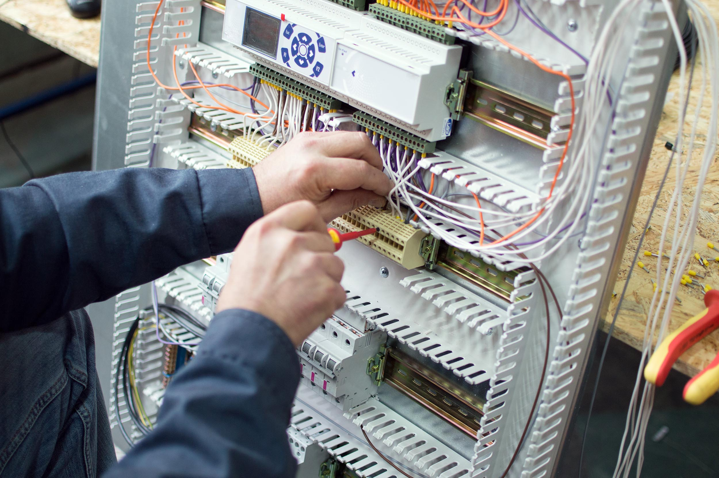 Electrician Apprenticeship – How To Become An Electrician